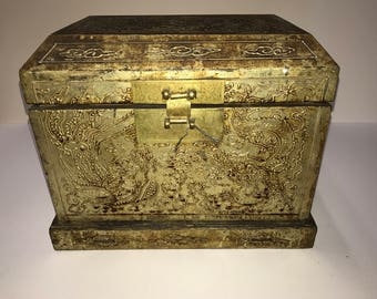Price Reduction! Chinese Box Qing Dynasty (1736 - 1796)