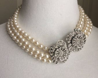 Vintage floral rhinestone and faux pearl necklace from the 1980s-90s.