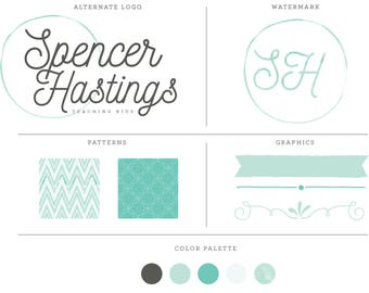 Pre-made feminine watercolor logo design kit with different branding options