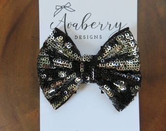 Black and Silver Double Sided Reversible Pinwheel Bow Clip