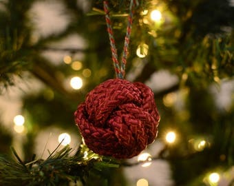 Christmas Baubles Burgundy Monkey Fist knot
