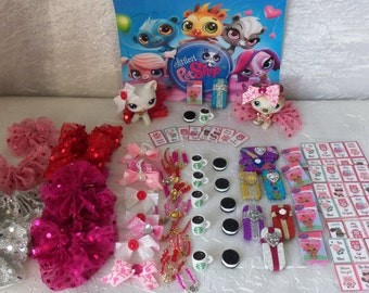 Littlest Pet Shop LPS Lot of 8 Valentines Day Accessories Clothes Cards Custom