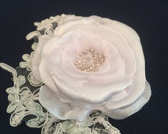 Bridal brooch, white flower, weeding accessory, pin & hair clips, weeding decoration, lace flower