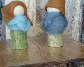 Snuggly Gnome Couple