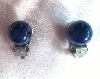 1980s navy blue round earrings, plastic clip-on, vintage costume jewellery