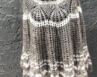 Incredible poncho - skirt variation