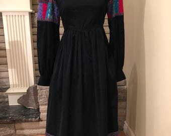 Vintage Suttles and Seawinds dress, made in Nova Scotia