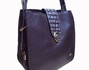 Fiber Street VINTAGE! 90s classic beautiful metal and color and design. vintage leather bag
