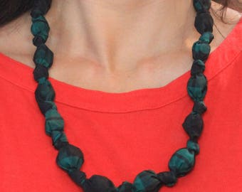 Plaid taffeta knotted bead necklace