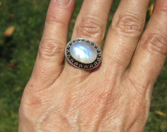 Vintage Detailed Bali Style Sterling Silver and Bezel Set Moon Stone Ring - Size 9  1596C