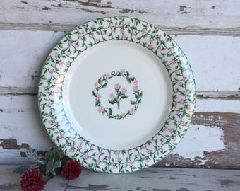 Vintage National Housewares Cameo Rose Plate - Roses Pink