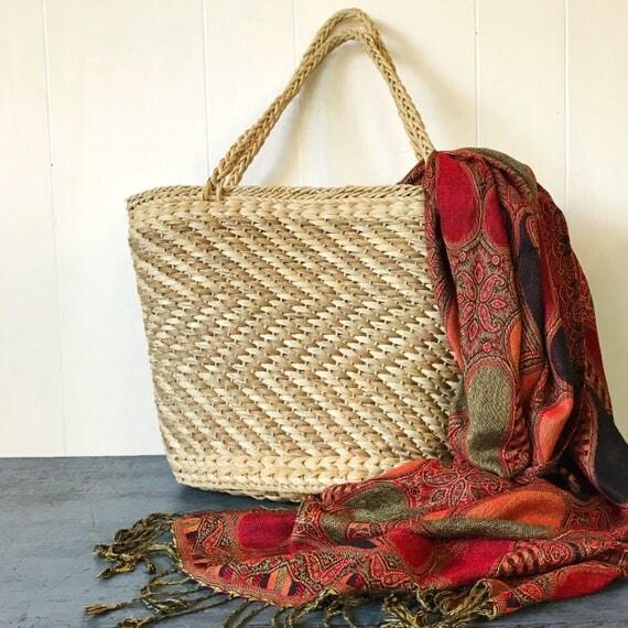 vintage woven straw tote bag - market weekend carry on bag - boho diaper bag - beige chevron weave