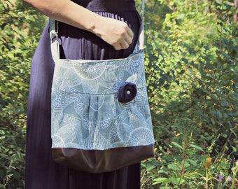 Messenger Bag, Meduim Faux Leather Bag, Paisley Handbag, Grey Purse, Pleather Bag, Vegan Leather Purse, Pleated Purse, Gray, Geometric