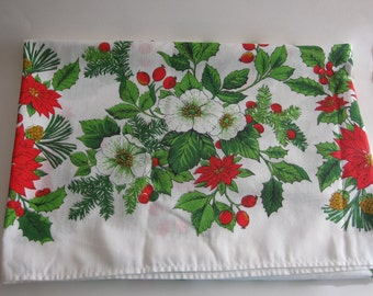 """Christmas Holiday Tablecloth Vintage Pointsettia Holly Berry 72"""" x 50"""""""