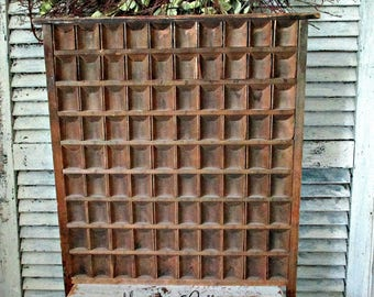 ViNTaGe CoMPaRTMeNT DRaWeR with NINETY CoMPaRTMeNTS!