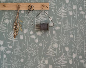 SAMPLE of Charlott'es Garden wallpaper in 'heath'