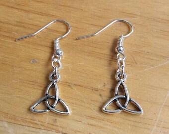 Triqueta earrings - Celtic earrings - Celtic knit earrings - Pagan earrings