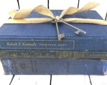 Blue Books, Vintage Books, Old Book Decor, Antique Books, Home Office Decor, Instant Library, Kennedy Book, Shabby Cottage, Interior Decor