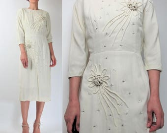 Vintage 1950s Wedding Dress Vintage Wedding Gown 3D Floral Beaded Rhinestones Studded Cream Wedding Dress Sleeves Midi Wiggle Dress S E7078