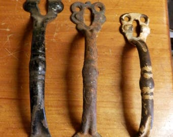 antique cast iron barn door handle  vintage
