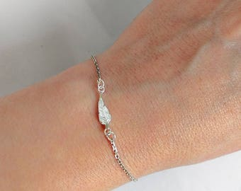 Tiny Leaf Bracelet Sterling Silver, Delicate Leaf Charm Bracelet, Everyday Necklace
