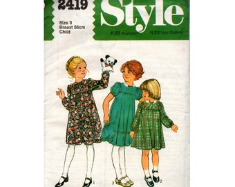 Style 2419 Toddler Girls Long or Short Sleeved Babydoll Smock Dress 70s Vintage Sewing Pattern Size 3