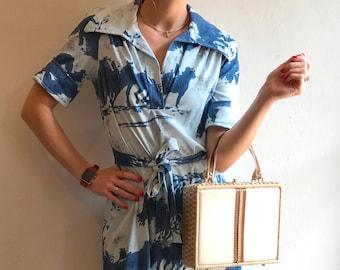 1970s V-Neck Short Sleeve Horse Print Shirt Dress small dr18150
