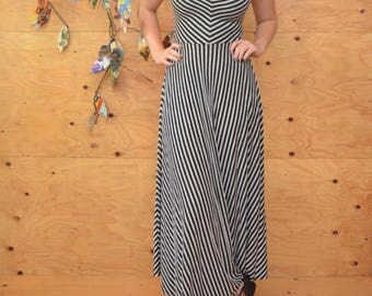 Comfy Cotton Striped 90's Gray & Black Striped Summer Maxi Dress SZ M