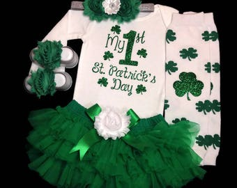1st St. Patrick's Day Outfit, St Patricks Baby Bodysuit, Baby Girl Photo Prop, Baby Girl Outfit, Green Tutu Bloomer, Shamrock Legging,Clover