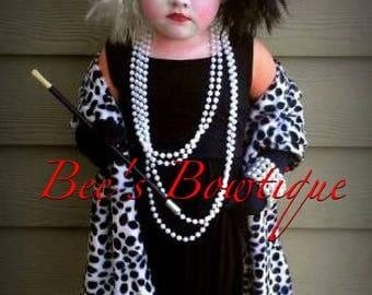 READY to ship Cruella Deville shawl for costume 101 Dalmatians De vil De Ville