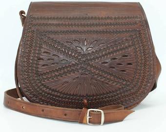 Leather Saddle Bag, Cross Body Bag, Leather Bag, Women Handbag, Vintage style saddle bag,embossed bag, half-moon bag, sac femme cuir