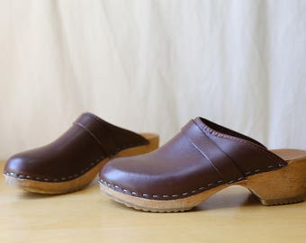 Vintage Wooden Clogs // Brown Leather Shoes // Womens 7 / 37