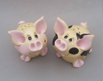 Pig salt and pepper shakers, handmade pigs, clay pigs,  whimsical pigs, ceramic pigs, piggy piggy's Pencepets, Pence, animal sculptures