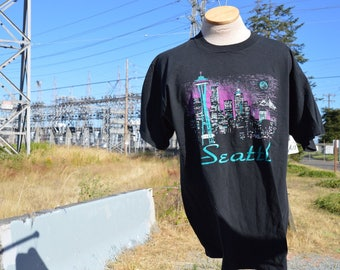 Vintage 1990s Seattle Skyline Tourist Shirt!!! Black Space Needle Tee!!!