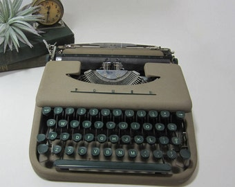 Portable Tower Typewriter, Works! Sears Tower Typewriter, Manual Smith-Corona, Chieftain, with Carry Bag, Portable Typewriter