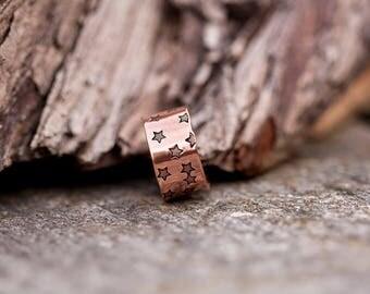 Wide copper ring // Handstamped star pattern // Adjustable // Made to order