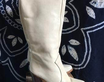 Vintage Tall Zodiac high heel cowboy boots. Size 5.5. Ivory with wood heel.