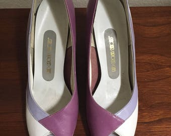 1980s purple heels, 80s peep toes, lavender pumps wedges, Red Cross Shoes, size 6.5 heels, size 7, wedged heels, pin up heels