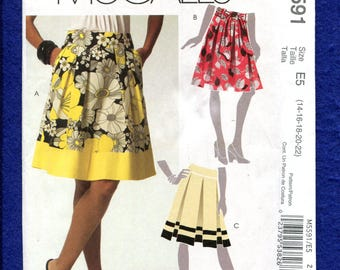 McCalls 5591 Pleated Skirt with Wide Waistband & Sash Size 14 to 22 UNCUT