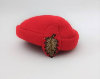 Vintage 1950s Red Wool Beaded Hat Red 50s Hat Vintage Red Hat Red Pillbox Hat 50s Pillbox Hat Red Wool Hat Red Church Hat Vintage Beaded Hat