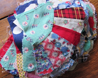 35 vintage feed sack fabric quilt pieces