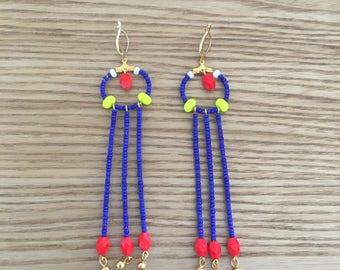 AKWABA - Boucles d'oreilles originales • boucles d'oreilles bleues et jaunes fluo • boucles d'oreilles ethniques chics