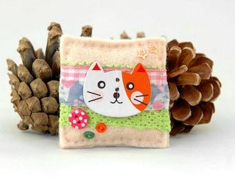 ginger cat brooch, kawaii kitty accessories, cute cat badge, handmade kawaii gifts, kawaii cat girl, unique brooch gifts, UK sweet cat gifts