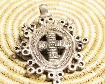 Unusual Ethiopian Cross, Ethnic Jewelry Supplies, Christian Pendant (AK51)