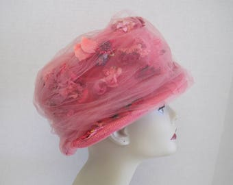 Pink Woven Straw Pill Box Hat w/ Netted Covering ~ Vintage 1950s High Pillbox Hat with Netting, Silk & Velveteen Flowers