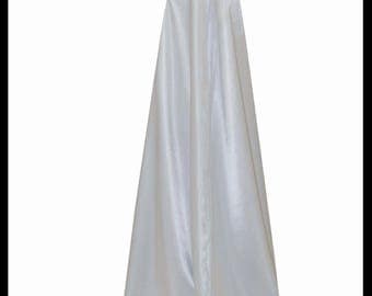 Beautiful Luxury Silver Countess Satin Cloak lined with Shimmer Satin. Ideal for a Wedding, Hand Fasting or Medieval Event. Brand New.