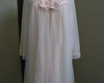 Ladies Vintage Peignoir Set. Pink Peignoir Set  Vintage Gown and Robe Set