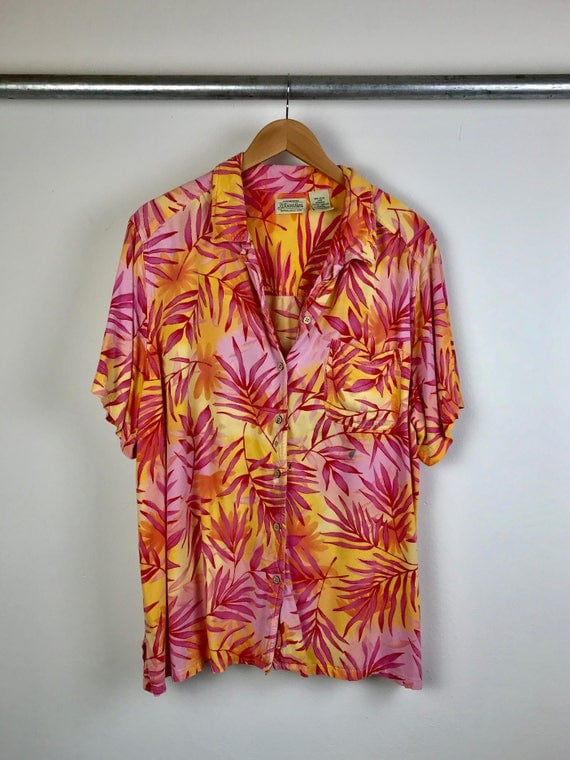 Vintage Women's Hawaiian Shirt Women's Large to Extra Large