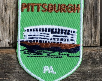 ONLY ONE! Pittsburgh, Pennsylvania Vintage Travel Patch by Voyager