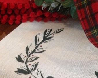 Christmas Table Runner, Kitchen Runner, Open Laurel Wreath, Christmas Wreath, Table Linens, Monogram Runner, Burlap Runner, White Burlap